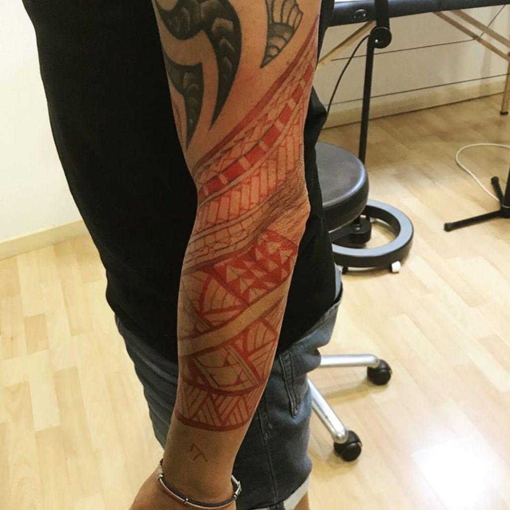 Tatouage maori sur le bras