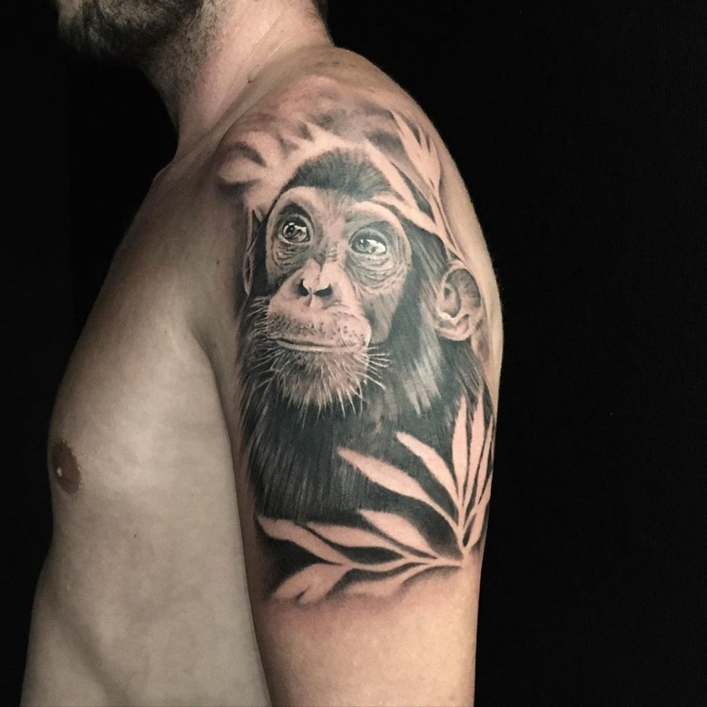 Tatouage singe réaliste